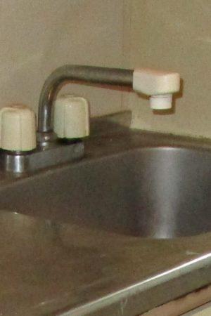キッチン水栓(ビフォー)